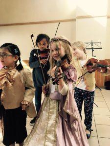 Op jonge leeftijd kan je met de Suzuki-Methode al snel goed viool spelen