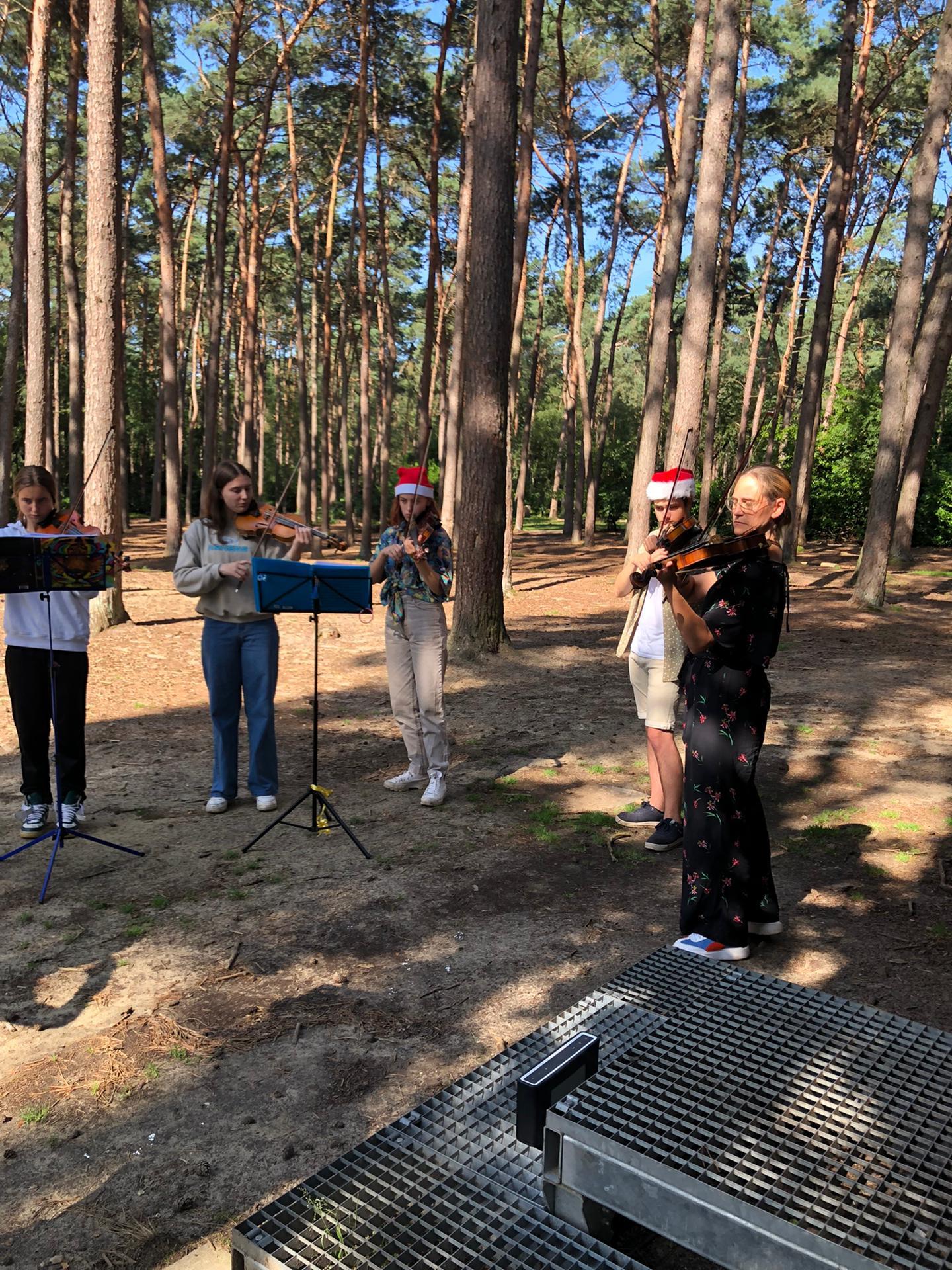 het bos is de perfecte plek voor een goede repetitie